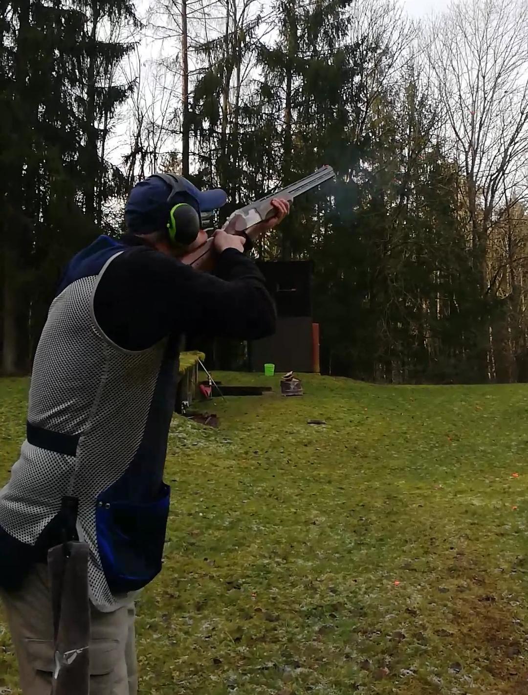 Christian Seif verteidigt Bezirksmeistertitel im Skeet, Hassia Fürth holt Mannschaftssieg